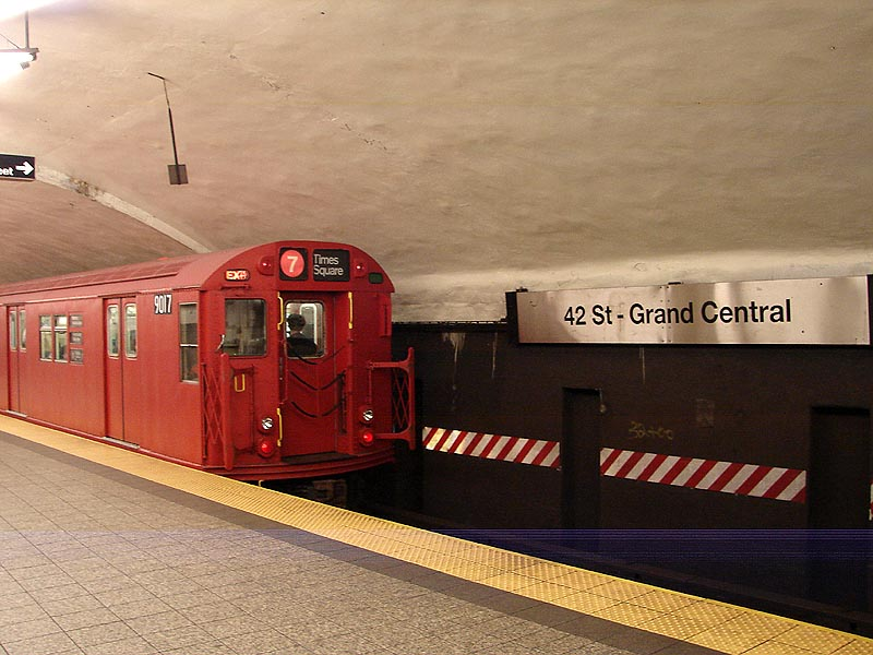 (91k, 800x600)<br><b>Country:</b> United States<br><b>City:</b> New York<br><b>System:</b> New York City Transit<br><b>Line:</b> IRT Flushing Line<br><b>Location:</b> Grand Central <br><b>Route:</b> Museum Train Service (7)<br><b>Car:</b> R-33 Main Line (St. Louis, 1962-63) 9017 <br><b>Photo by:</b> Bob Vogel<br><b>Date:</b> 4/8/2008<br><b>Viewed (this week/total):</b> 2 / 1227