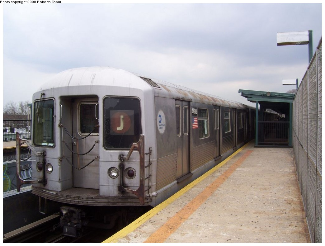 (170k, 1044x790)<br><b>Country:</b> United States<br><b>City:</b> New York<br><b>System:</b> New York City Transit<br><b>Line:</b> BMT Nassau Street/Jamaica Line<br><b>Location:</b> 75th Street/Elderts Lane <br><b>Route:</b> J<br><b>Car:</b> R-42 (St. Louis, 1969-1970)  4698 <br><b>Photo by:</b> Roberto C. Tobar<br><b>Date:</b> 4/12/2008<br><b>Viewed (this week/total):</b> 2 / 1196