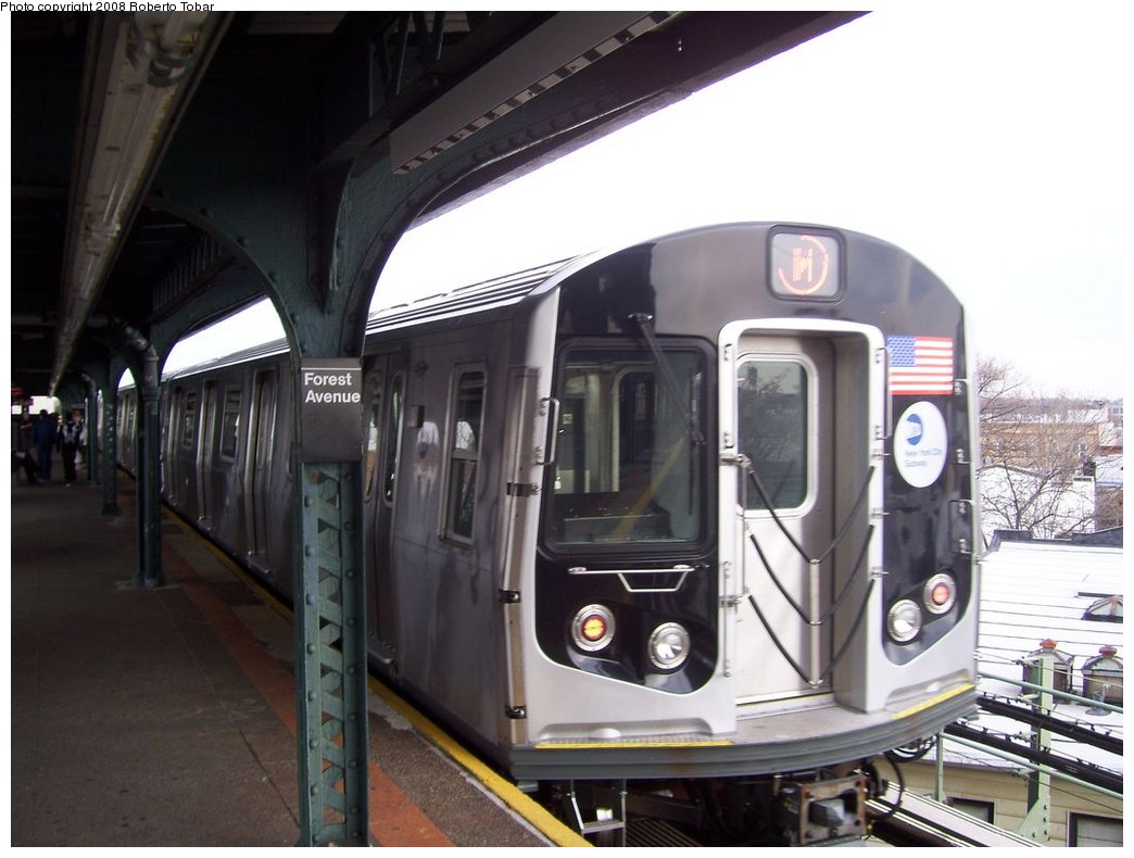 (180k, 1044x790)<br><b>Country:</b> United States<br><b>City:</b> New York<br><b>System:</b> New York City Transit<br><b>Line:</b> BMT Myrtle Avenue Line<br><b>Location:</b> Forest Avenue <br><b>Route:</b> M<br><b>Car:</b> R-160A-1 (Alstom, 2005-2008, 4 car sets)   <br><b>Photo by:</b> Roberto C. Tobar<br><b>Date:</b> 4/12/2008<br><b>Viewed (this week/total):</b> 2 / 1417