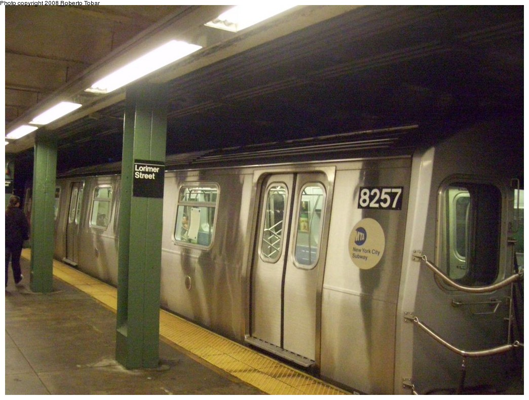(203k, 1044x790)<br><b>Country:</b> United States<br><b>City:</b> New York<br><b>System:</b> New York City Transit<br><b>Line:</b> BMT Canarsie Line<br><b>Location:</b> Lorimer Street <br><b>Route:</b> L<br><b>Car:</b> R-143 (Kawasaki, 2001-2002) 8257 <br><b>Photo by:</b> Roberto C. Tobar<br><b>Date:</b> 4/12/2008<br><b>Viewed (this week/total):</b> 6 / 1499