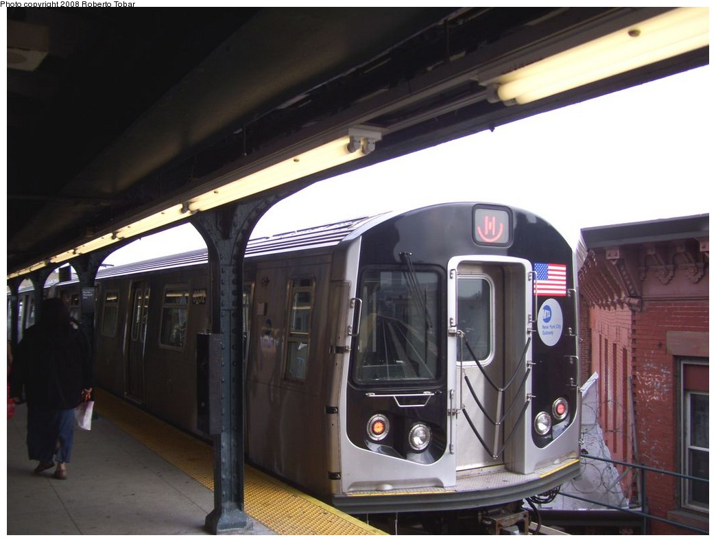 (165k, 1044x790)<br><b>Country:</b> United States<br><b>City:</b> New York<br><b>System:</b> New York City Transit<br><b>Line:</b> BMT Myrtle Avenue Line<br><b>Location:</b> Wyckoff Avenue <br><b>Route:</b> M<br><b>Car:</b> R-160A-1 (Alstom, 2005-2008, 4 car sets)  8352 <br><b>Photo by:</b> Roberto C. Tobar<br><b>Date:</b> 4/12/2008<br><b>Viewed (this week/total):</b> 0 / 1496