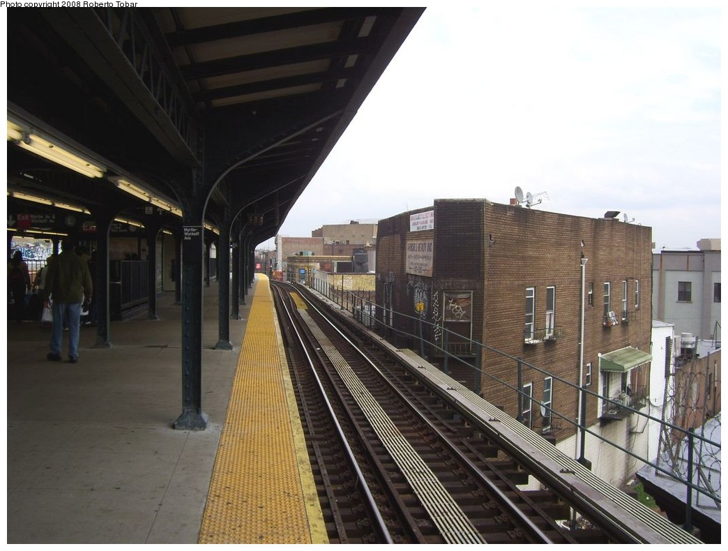 (200k, 1044x790)<br><b>Country:</b> United States<br><b>City:</b> New York<br><b>System:</b> New York City Transit<br><b>Line:</b> BMT Myrtle Avenue Line<br><b>Location:</b> Wyckoff Avenue <br><b>Photo by:</b> Roberto C. Tobar<br><b>Date:</b> 4/12/2008<br><b>Viewed (this week/total):</b> 8 / 1218