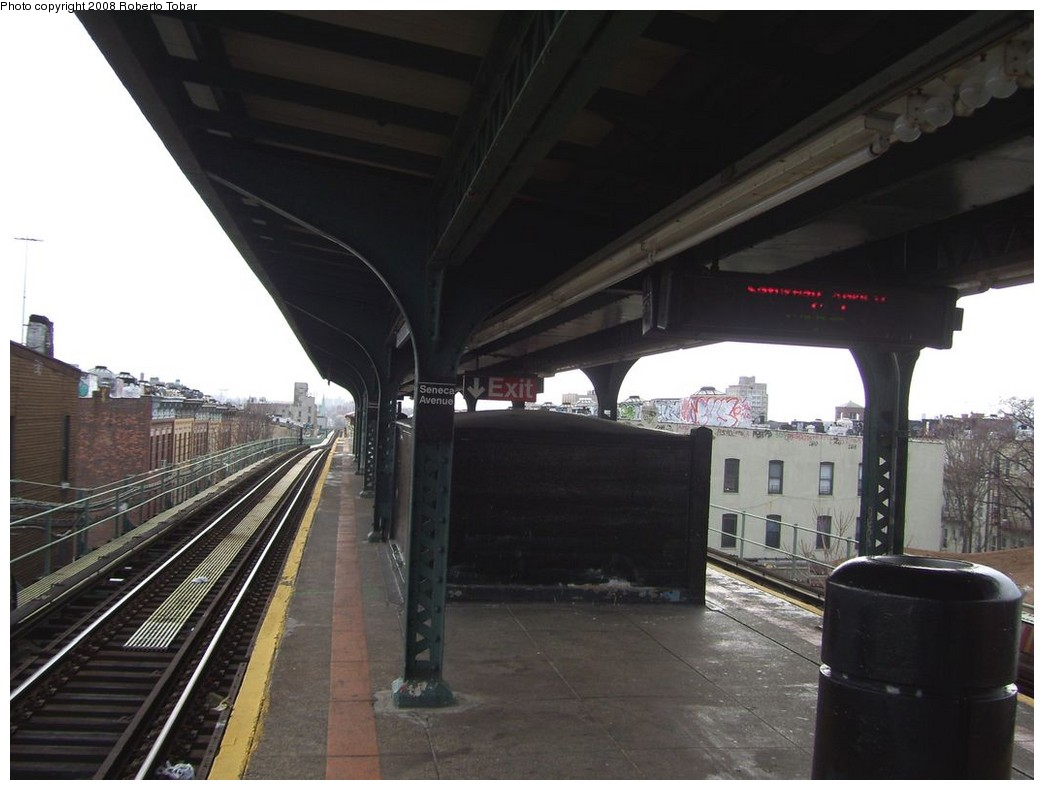 (172k, 1044x790)<br><b>Country:</b> United States<br><b>City:</b> New York<br><b>System:</b> New York City Transit<br><b>Line:</b> BMT Myrtle Avenue Line<br><b>Location:</b> Seneca Avenue <br><b>Photo by:</b> Roberto C. Tobar<br><b>Date:</b> 4/12/2008<br><b>Viewed (this week/total):</b> 2 / 1168
