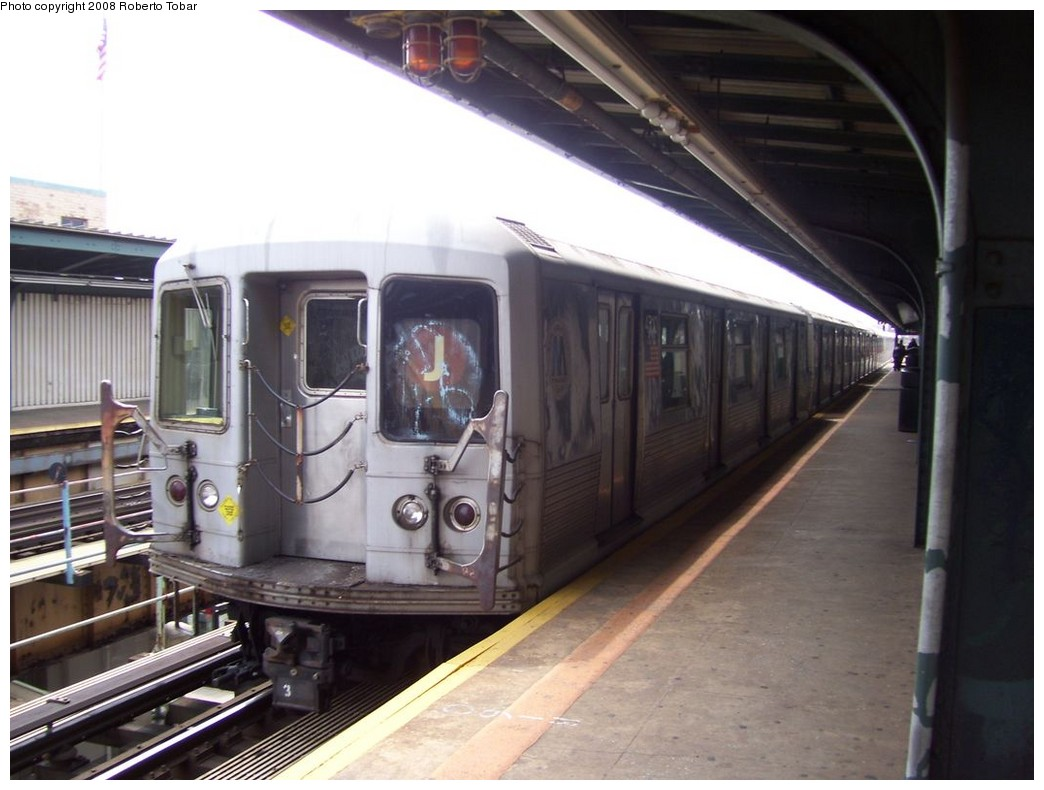 (176k, 1044x790)<br><b>Country:</b> United States<br><b>City:</b> New York<br><b>System:</b> New York City Transit<br><b>Line:</b> BMT Nassau Street/Jamaica Line<br><b>Location:</b> Woodhaven Boulevard <br><b>Route:</b> J<br><b>Car:</b> R-42 (St. Louis, 1969-1970)  4710 <br><b>Photo by:</b> Roberto C. Tobar<br><b>Date:</b> 4/12/2008<br><b>Viewed (this week/total):</b> 2 / 1016