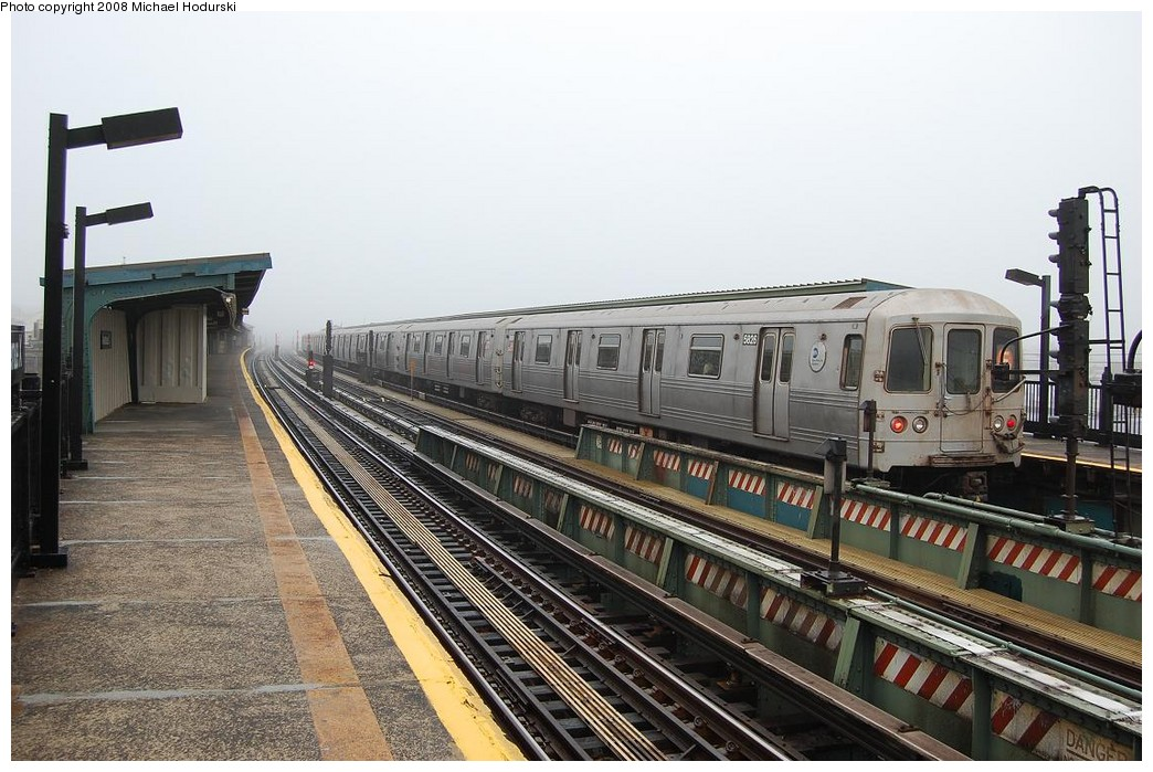 (242k, 1044x699)<br><b>Country:</b> United States<br><b>City:</b> New York<br><b>System:</b> New York City Transit<br><b>Line:</b> BMT Culver Line<br><b>Location:</b> Avenue X <br><b>Route:</b> F<br><b>Car:</b> R-46 (Pullman-Standard, 1974-75) 5826 <br><b>Photo by:</b> Michael Hodurski<br><b>Date:</b> 4/12/2008<br><b>Viewed (this week/total):</b> 4 / 809