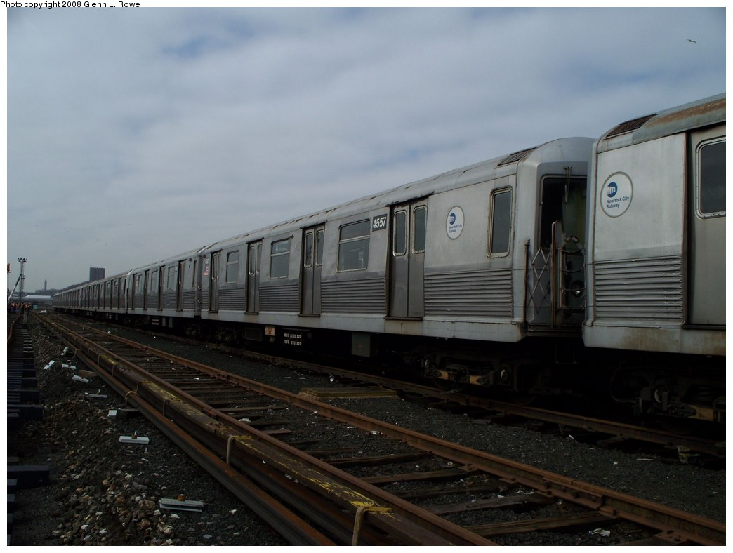 (168k, 1044x788)<br><b>Country:</b> United States<br><b>City:</b> New York<br><b>System:</b> New York City Transit<br><b>Location:</b> 207th Street Yard<br><b>Car:</b> R-42 (St. Louis, 1969-1970)  4557 <br><b>Photo by:</b> Glenn L. Rowe<br><b>Date:</b> 4/8/2008<br><b>Viewed (this week/total):</b> 0 / 870