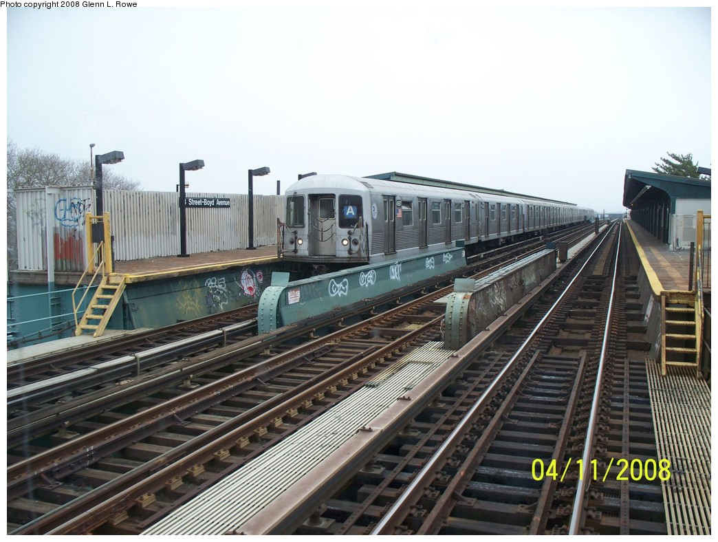 (226k, 1044x788)<br><b>Country:</b> United States<br><b>City:</b> New York<br><b>System:</b> New York City Transit<br><b>Line:</b> IND Fulton Street Line<br><b>Location:</b> 88th Street/Boyd Avenue <br><b>Route:</b> A<br><b>Car:</b> R-42 (St. Louis, 1969-1970)  4557 <br><b>Photo by:</b> Glenn L. Rowe<br><b>Date:</b> 4/11/2008<br><b>Viewed (this week/total):</b> 0 / 1438