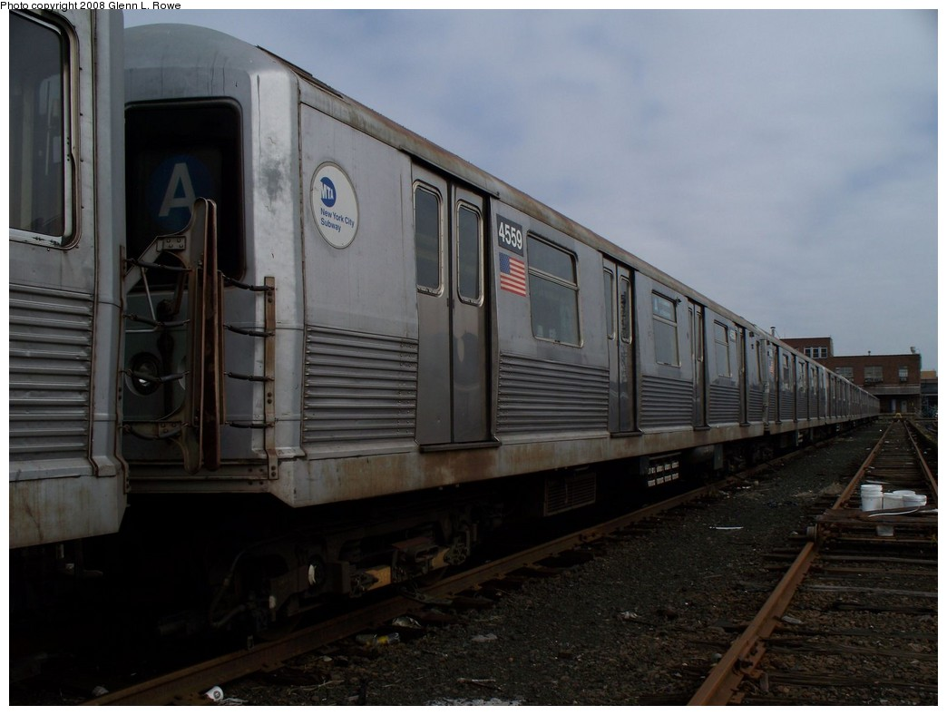 (166k, 1044x788)<br><b>Country:</b> United States<br><b>City:</b> New York<br><b>System:</b> New York City Transit<br><b>Location:</b> 207th Street Yard<br><b>Car:</b> R-42 (St. Louis, 1969-1970)  4559 <br><b>Photo by:</b> Glenn L. Rowe<br><b>Date:</b> 4/8/2008<br><b>Viewed (this week/total):</b> 0 / 700