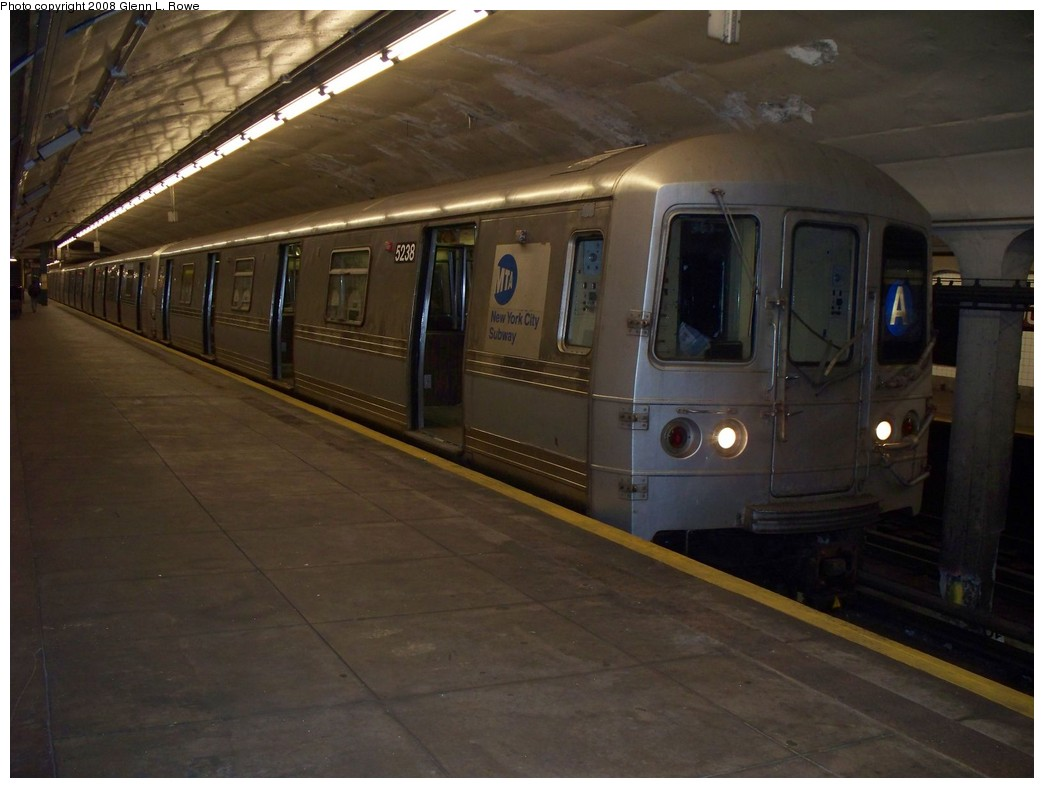(169k, 1044x788)<br><b>Country:</b> United States<br><b>City:</b> New York<br><b>System:</b> New York City Transit<br><b>Line:</b> IND 8th Avenue Line<br><b>Location:</b> 190th Street/Overlook Terrace <br><b>Route:</b> A<br><b>Car:</b> R-44 (St. Louis, 1971-73) 5238 <br><b>Photo by:</b> Glenn L. Rowe<br><b>Date:</b> 4/10/2008<br><b>Viewed (this week/total):</b> 1 / 1175