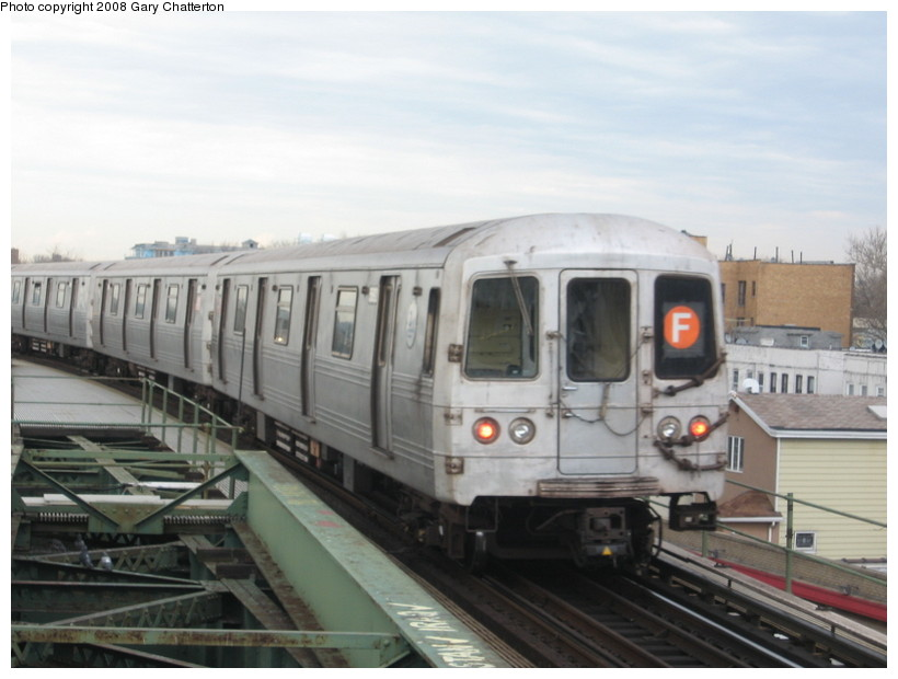 (106k, 820x620)<br><b>Country:</b> United States<br><b>City:</b> New York<br><b>System:</b> New York City Transit<br><b>Line:</b> BMT Culver Line<br><b>Location:</b> Kings Highway <br><b>Route:</b> F<br><b>Car:</b> R-46 (Pullman-Standard, 1974-75) 5692 <br><b>Photo by:</b> Gary Chatterton<br><b>Date:</b> 4/12/2008<br><b>Viewed (this week/total):</b> 0 / 1415