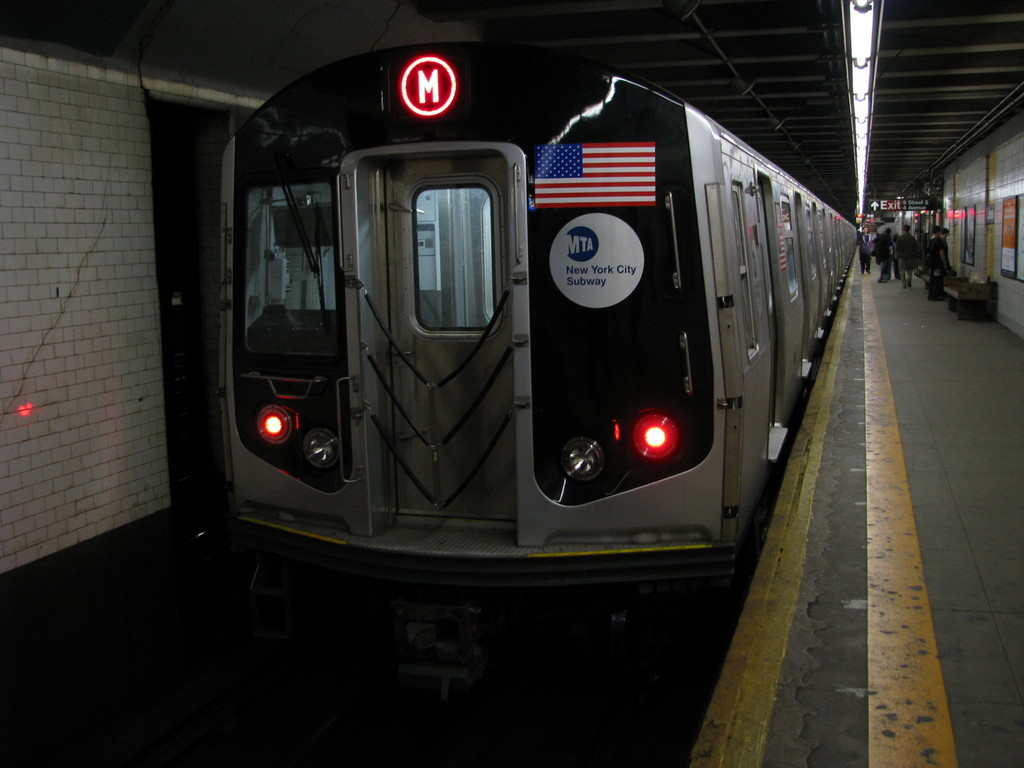 (154k, 1024x768)<br><b>Country:</b> United States<br><b>City:</b> New York<br><b>System:</b> New York City Transit<br><b>Line:</b> BMT 4th Avenue<br><b>Location:</b> 9th Street <br><b>Route:</b> M<br><b>Car:</b> R-160A-1 (Alstom, 2005-2008, 4 car sets)  8381 <br><b>Photo by:</b> Andrew Johnson<br><b>Date:</b> 4/17/2008<br><b>Viewed (this week/total):</b> 0 / 2241