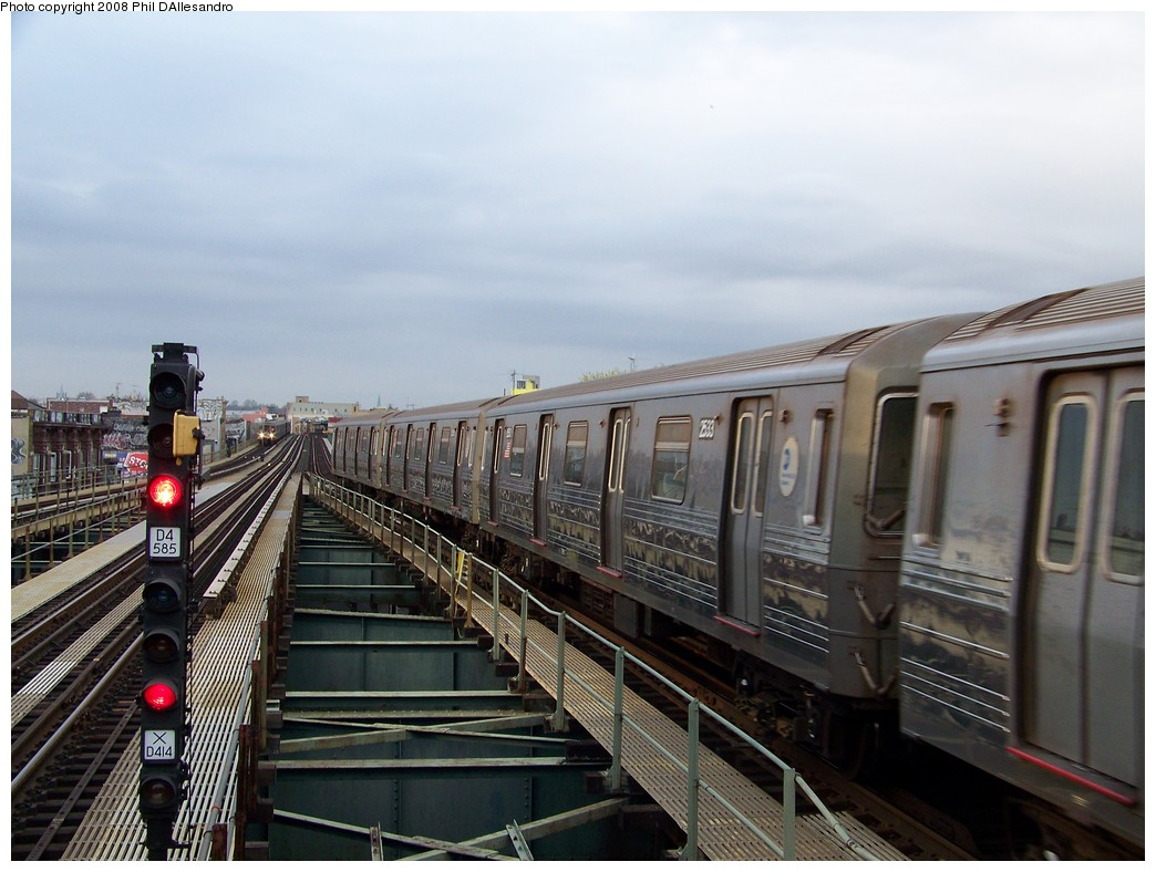 (201k, 1044x788)<br><b>Country:</b> United States<br><b>City:</b> New York<br><b>System:</b> New York City Transit<br><b>Line:</b> BMT West End Line<br><b>Location:</b> 62nd Street <br><b>Route:</b> D<br><b>Car:</b> R-68 (Westinghouse-Amrail, 1986-1988)  2533 <br><b>Photo by:</b> Philip D'Allesandro<br><b>Date:</b> 4/20/2008<br><b>Viewed (this week/total):</b> 3 / 1172