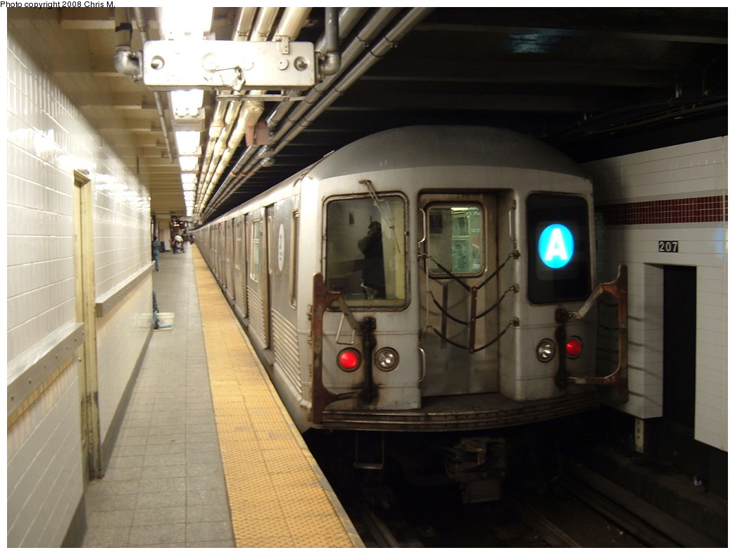 (184k, 1044x788)<br><b>Country:</b> United States<br><b>City:</b> New York<br><b>System:</b> New York City Transit<br><b>Line:</b> IND 8th Avenue Line<br><b>Location:</b> 207th Street <br><b>Route:</b> A<br><b>Car:</b> R-42 (St. Louis, 1969-1970)  4570 <br><b>Photo by:</b> Chris M.<br><b>Date:</b> 4/21/2008<br><b>Viewed (this week/total):</b> 3 / 1563