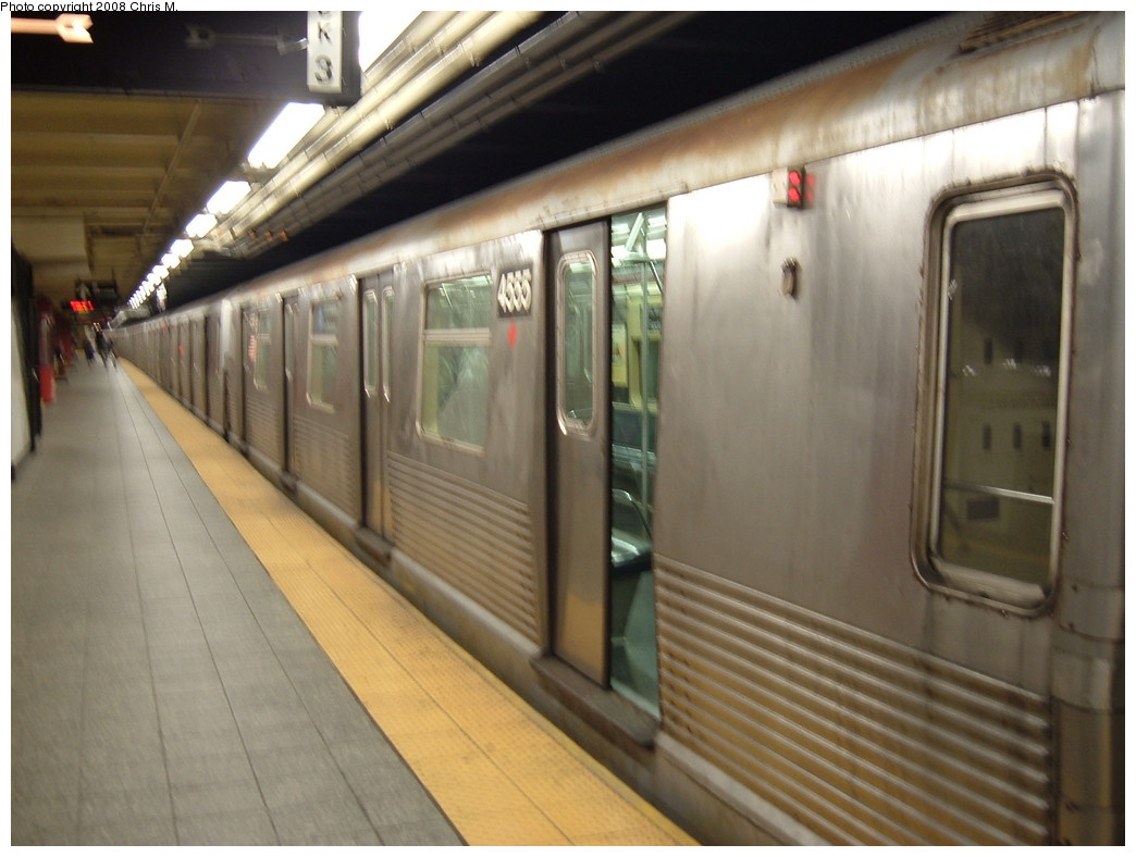 (183k, 1044x788)<br><b>Country:</b> United States<br><b>City:</b> New York<br><b>System:</b> New York City Transit<br><b>Line:</b> IND 8th Avenue Line<br><b>Location:</b> 207th Street <br><b>Route:</b> A<br><b>Car:</b> R-42 (St. Louis, 1969-1970)  4555 <br><b>Photo by:</b> Chris M.<br><b>Date:</b> 4/21/2008<br><b>Viewed (this week/total):</b> 1 / 1058