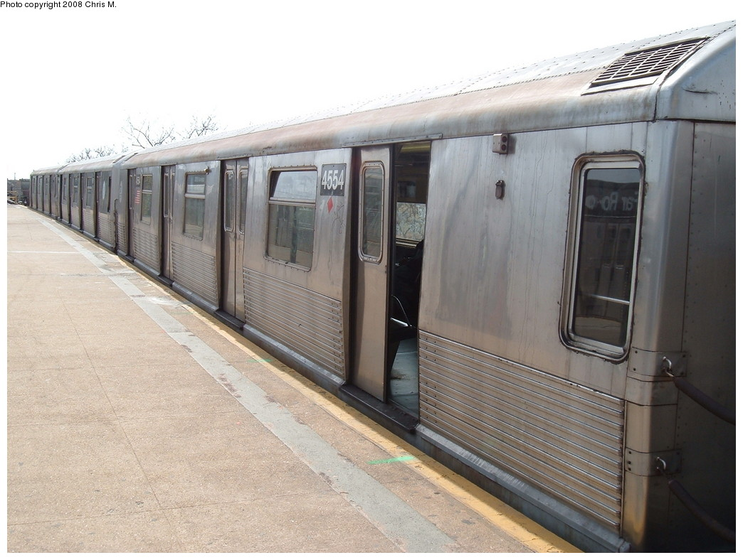 (216k, 1044x788)<br><b>Country:</b> United States<br><b>City:</b> New York<br><b>System:</b> New York City Transit<br><b>Line:</b> IND Rockaway<br><b>Location:</b> Mott Avenue/Far Rockaway <br><b>Route:</b> A<br><b>Car:</b> R-42 (St. Louis, 1969-1970)  4554 <br><b>Photo by:</b> Chris M.<br><b>Date:</b> 4/21/2008<br><b>Viewed (this week/total):</b> 3 / 1239