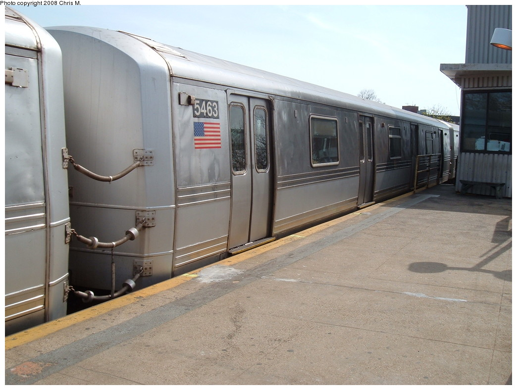 (208k, 1044x788)<br><b>Country:</b> United States<br><b>City:</b> New York<br><b>System:</b> New York City Transit<br><b>Line:</b> IND Rockaway<br><b>Location:</b> Mott Avenue/Far Rockaway <br><b>Route:</b> A<br><b>Car:</b> R-44 (St. Louis, 1971-73) 5463 <br><b>Photo by:</b> Chris M.<br><b>Date:</b> 4/21/2008<br><b>Viewed (this week/total):</b> 2 / 1157