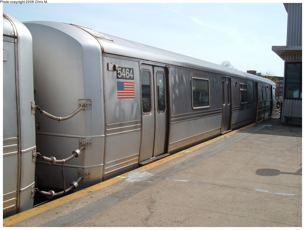 (197k, 1044x788)<br><b>Country:</b> United States<br><b>City:</b> New York<br><b>System:</b> New York City Transit<br><b>Line:</b> IND Rockaway<br><b>Location:</b> Mott Avenue/Far Rockaway <br><b>Route:</b> A<br><b>Car:</b> R-44 (St. Louis, 1971-73) 5464 <br><b>Photo by:</b> Chris M.<br><b>Date:</b> 4/21/2008<br><b>Viewed (this week/total):</b> 1 / 1039