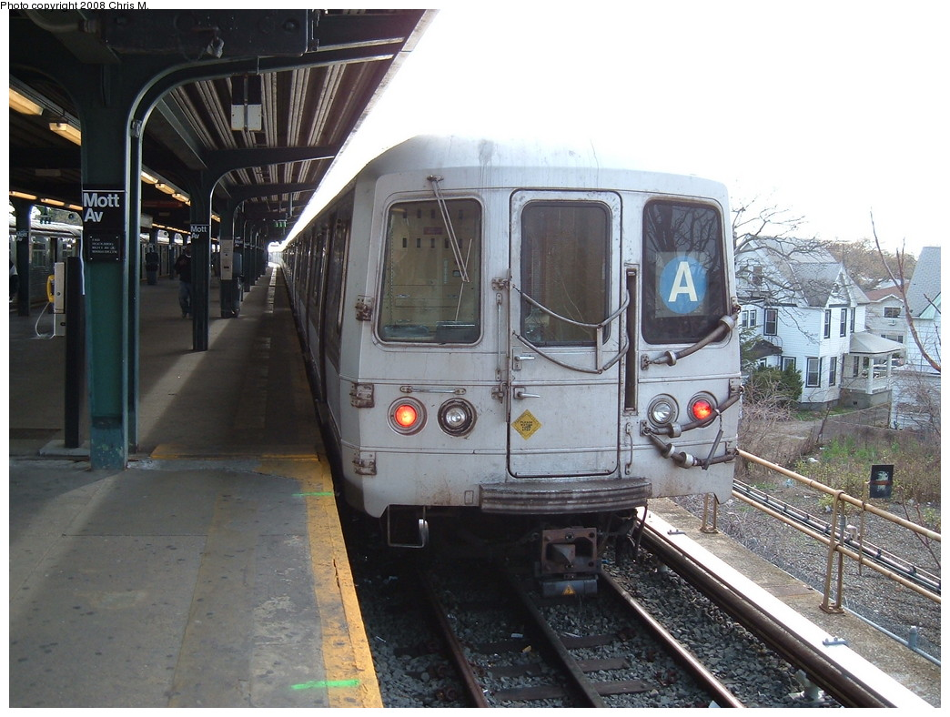 (237k, 1044x788)<br><b>Country:</b> United States<br><b>City:</b> New York<br><b>System:</b> New York City Transit<br><b>Line:</b> IND Rockaway<br><b>Location:</b> Mott Avenue/Far Rockaway <br><b>Route:</b> A<br><b>Car:</b> R-44 (St. Louis, 1971-73) 5220 <br><b>Photo by:</b> Chris M.<br><b>Date:</b> 4/21/2008<br><b>Viewed (this week/total):</b> 2 / 1130