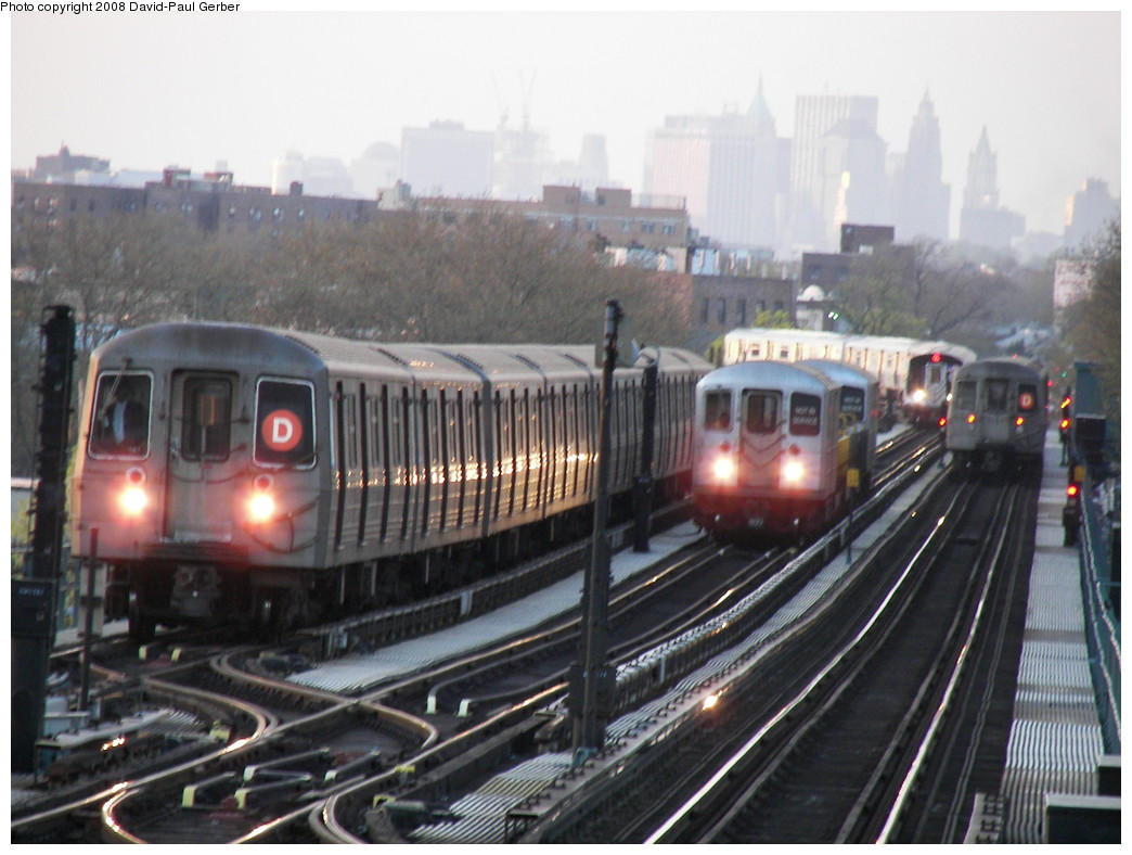 (249k, 1044x788)<br><b>Country:</b> United States<br><b>City:</b> New York<br><b>System:</b> New York City Transit<br><b>Line:</b> BMT West End Line<br><b>Location:</b> Bay 50th Street <br><b>Photo by:</b> David-Paul Gerber<br><b>Date:</b> 4/22/2008<br><b>Notes:</b> Four trains!<br><b>Viewed (this week/total):</b> 1 / 1685