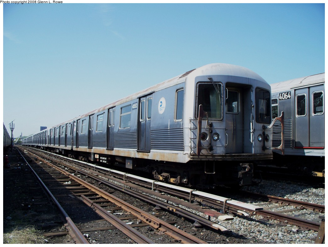 (210k, 1044x788)<br><b>Country:</b> United States<br><b>City:</b> New York<br><b>System:</b> New York City Transit<br><b>Location:</b> 207th Street Yard<br><b>Car:</b> R-42 (St. Louis, 1969-1970)  4552 <br><b>Photo by:</b> Glenn L. Rowe<br><b>Date:</b> 5/6/2008<br><b>Viewed (this week/total):</b> 0 / 892