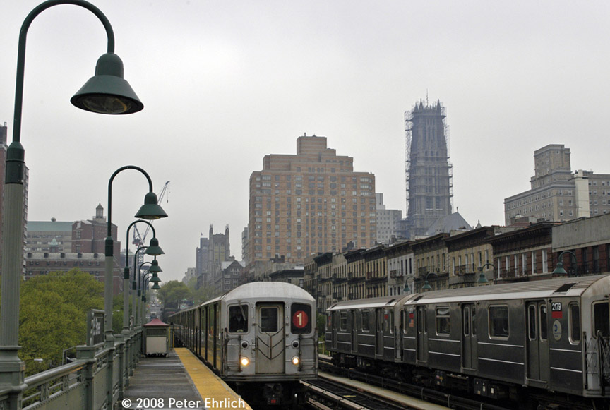 (156k, 864x581)<br><b>Country:</b> United States<br><b>City:</b> New York<br><b>System:</b> New York City Transit<br><b>Line:</b> IRT West Side Line<br><b>Location:</b> 125th Street <br><b>Car:</b> R-62A (Bombardier, 1984-1987)  2250 <br><b>Photo by:</b> Peter Ehrlich<br><b>Date:</b> 5/2/2008<br><b>Notes:</b> Outbound train approaching.  With 2179 inbound.<br><b>Viewed (this week/total):</b> 9 / 1516