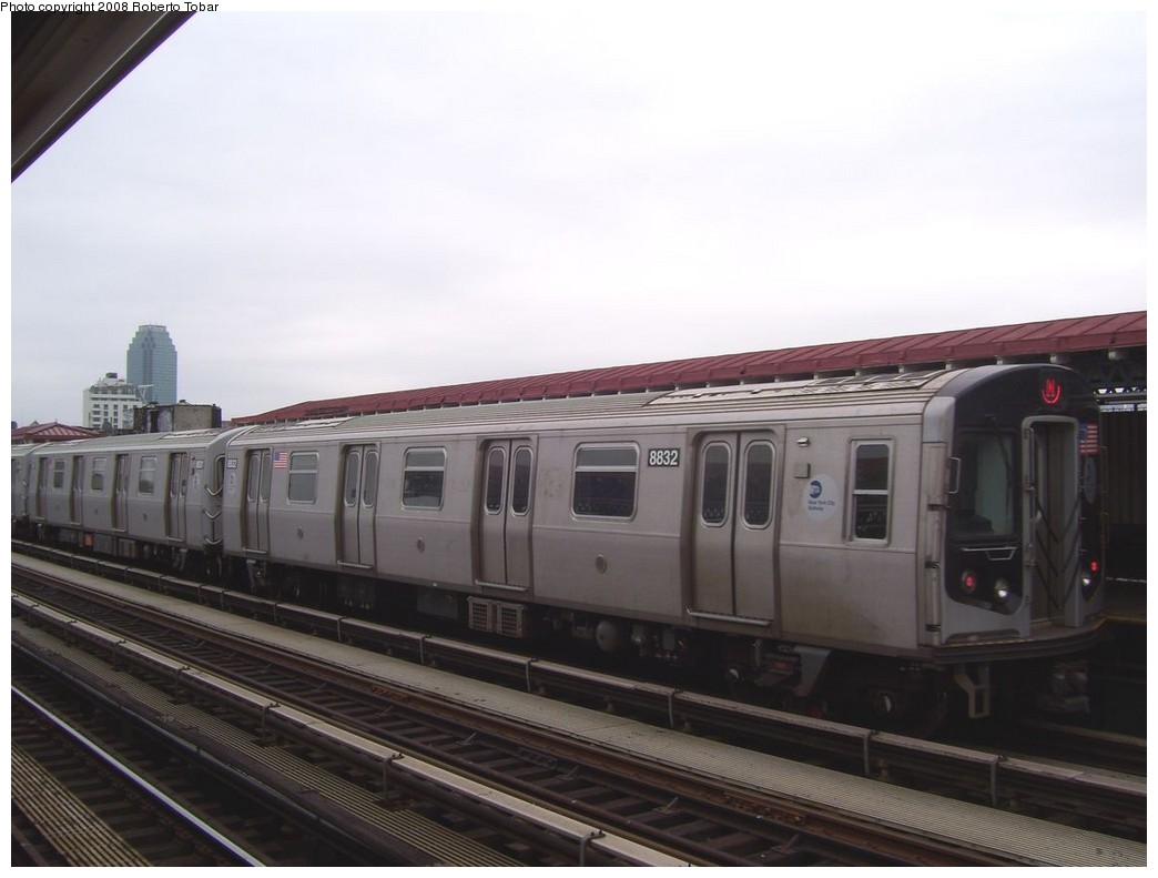(151k, 1044x791)<br><b>Country:</b> United States<br><b>City:</b> New York<br><b>System:</b> New York City Transit<br><b>Line:</b> BMT Astoria Line<br><b>Location:</b> 36th/Washington Aves. <br><b>Route:</b> N<br><b>Car:</b> R-160B (Kawasaki, 2005-2008)  8832 <br><b>Photo by:</b> Roberto C. Tobar<br><b>Date:</b> 5/3/2008<br><b>Viewed (this week/total):</b> 2 / 1587