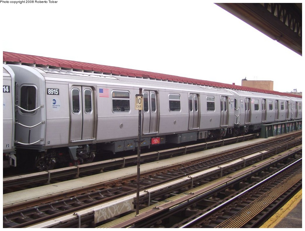 (202k, 1044x791)<br><b>Country:</b> United States<br><b>City:</b> New York<br><b>System:</b> New York City Transit<br><b>Line:</b> BMT Astoria Line<br><b>Location:</b> 39th/Beebe Aves. <br><b>Route:</b> N<br><b>Car:</b> R-160B (Kawasaki, 2005-2008)  8915 <br><b>Photo by:</b> Roberto C. Tobar<br><b>Date:</b> 5/3/2008<br><b>Viewed (this week/total):</b> 1 / 1471