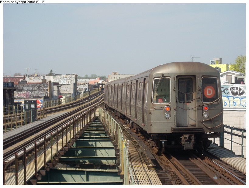(167k, 819x619)<br><b>Country:</b> United States<br><b>City:</b> New York<br><b>System:</b> New York City Transit<br><b>Line:</b> BMT West End Line<br><b>Location:</b> 62nd Street <br><b>Route:</b> D<br><b>Car:</b> R-68 (Westinghouse-Amrail, 1986-1988)   <br><b>Photo by:</b> Bill E.<br><b>Date:</b> 4/23/2008<br><b>Viewed (this week/total):</b> 1 / 943