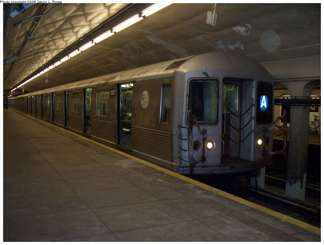 (177k, 1044x788)<br><b>Country:</b> United States<br><b>City:</b> New York<br><b>System:</b> New York City Transit<br><b>Line:</b> IND 8th Avenue Line<br><b>Location:</b> 190th Street/Overlook Terrace <br><b>Route:</b> A<br><b>Car:</b> R-42 (St. Louis, 1969-1970)  4567 <br><b>Photo by:</b> Glenn L. Rowe<br><b>Date:</b> 5/6/2008<br><b>Viewed (this week/total):</b> 1 / 1597