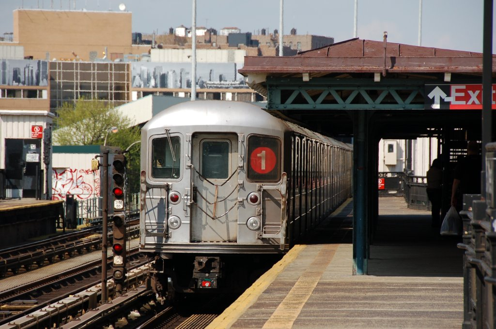 (211k, 1024x680)<br><b>Country:</b> United States<br><b>City:</b> New York<br><b>System:</b> New York City Transit<br><b>Line:</b> IRT West Side Line<br><b>Location:</b> 207th Street <br><b>Route:</b> 1<br><b>Car:</b> R-62A (Bombardier, 1984-1987)   <br><b>Photo by:</b> Brian Weinberg<br><b>Date:</b> 5/4/2008<br><b>Viewed (this week/total):</b> 1 / 1174