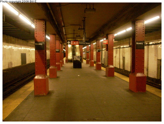 (123k, 660x500)<br><b>Country:</b> United States<br><b>City:</b> New York<br><b>System:</b> New York City Transit<br><b>Line:</b> BMT Nassau Street/Jamaica Line<br><b>Location:</b> Bowery <br><b>Photo by:</b> Bill E.<br><b>Date:</b> 5/9/2008<br><b>Notes:</b> View looking uptown.<br><b>Viewed (this week/total):</b> 0 / 1183