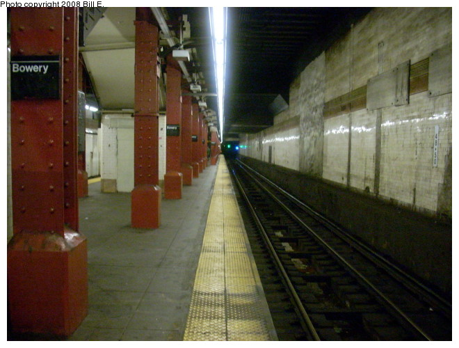 (124k, 660x500)<br><b>Country:</b> United States<br><b>City:</b> New York<br><b>System:</b> New York City Transit<br><b>Line:</b> BMT Nassau Street/Jamaica Line<br><b>Location:</b> Bowery <br><b>Photo by:</b> Bill E.<br><b>Date:</b> 5/9/2008<br><b>Notes:</b> View looking downtown.<br><b>Viewed (this week/total):</b> 0 / 1211