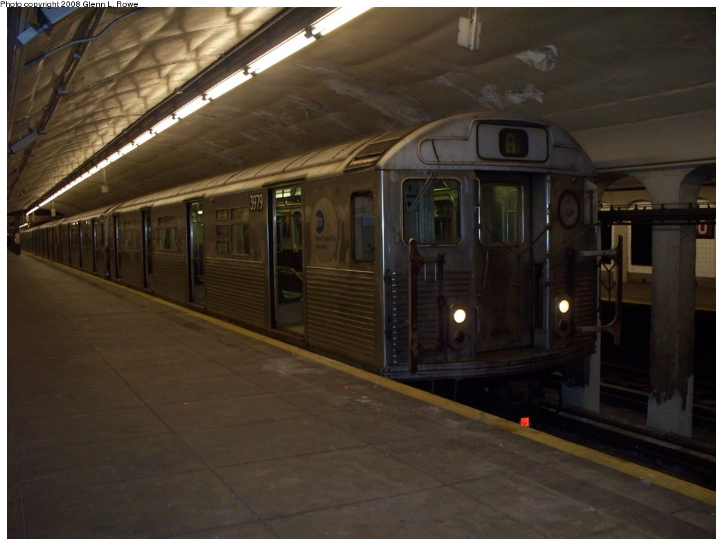 (165k, 1044x788)<br><b>Country:</b> United States<br><b>City:</b> New York<br><b>System:</b> New York City Transit<br><b>Line:</b> IND 8th Avenue Line<br><b>Location:</b> 190th Street/Overlook Terrace <br><b>Route:</b> A<br><b>Car:</b> R-38 (St. Louis, 1966-1967)  3979 <br><b>Photo by:</b> Glenn L. Rowe<br><b>Date:</b> 5/12/2008<br><b>Viewed (this week/total):</b> 5 / 1337