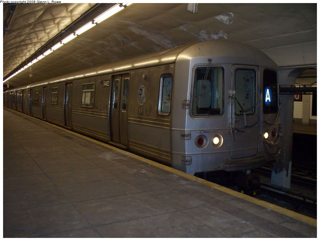 (165k, 1044x788)<br><b>Country:</b> United States<br><b>City:</b> New York<br><b>System:</b> New York City Transit<br><b>Line:</b> IND 8th Avenue Line<br><b>Location:</b> 190th Street/Overlook Terrace <br><b>Route:</b> A<br><b>Car:</b> R-44 (St. Louis, 1971-73) 5462 <br><b>Photo by:</b> Glenn L. Rowe<br><b>Date:</b> 5/13/2008<br><b>Viewed (this week/total):</b> 3 / 1763