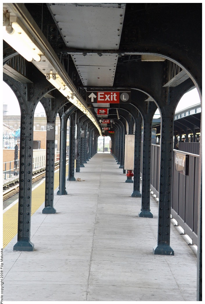 (207k, 705x1044)<br><b>Country:</b> United States<br><b>City:</b> New York<br><b>System:</b> New York City Transit<br><b>Line:</b> BMT Myrtle Avenue Line<br><b>Location:</b> Wyckoff Avenue <br><b>Photo by:</b> Filip Matuska<br><b>Date:</b> 6/7/2007<br><b>Viewed (this week/total):</b> 5 / 1183