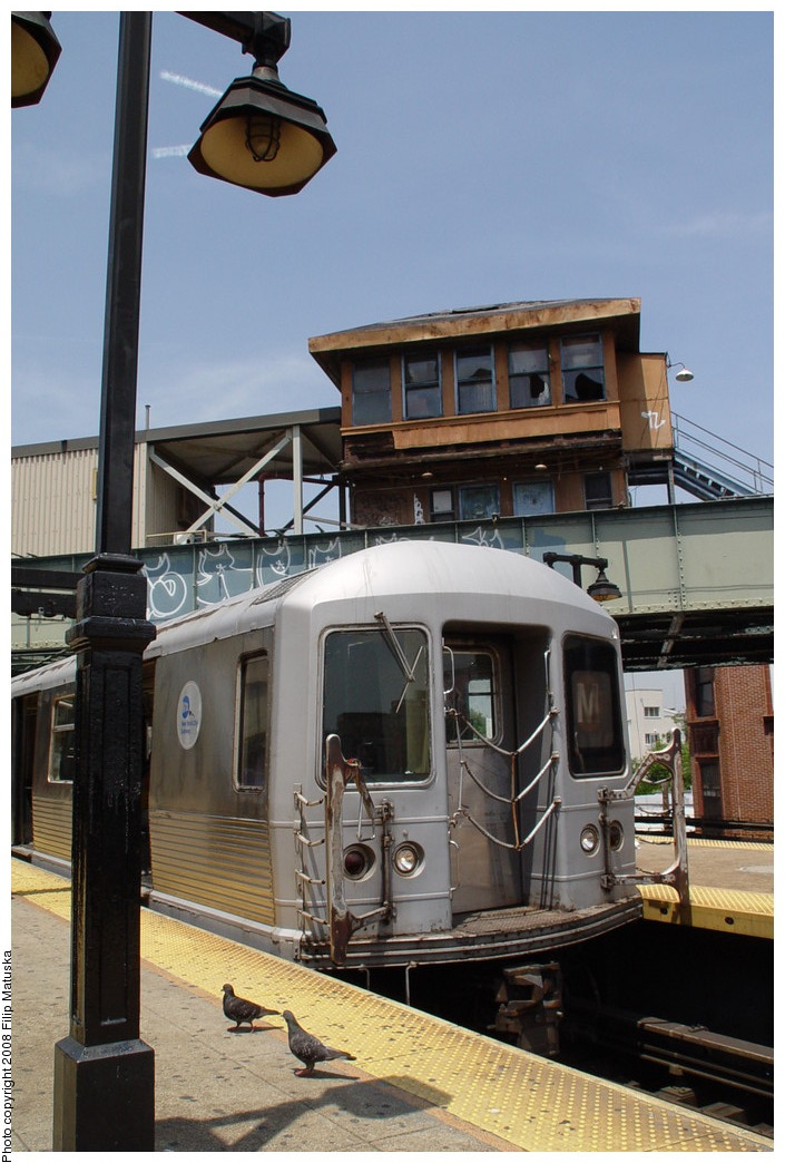 (195k, 705x1044)<br><b>Country:</b> United States<br><b>City:</b> New York<br><b>System:</b> New York City Transit<br><b>Line:</b> BMT Nassau Street/Jamaica Line<br><b>Location:</b> Myrtle Avenue <br><b>Route:</b> M<br><b>Car:</b> R-42 (St. Louis, 1969-1970)   <br><b>Photo by:</b> Filip Matuska<br><b>Date:</b> 6/7/2007<br><b>Viewed (this week/total):</b> 2 / 1181