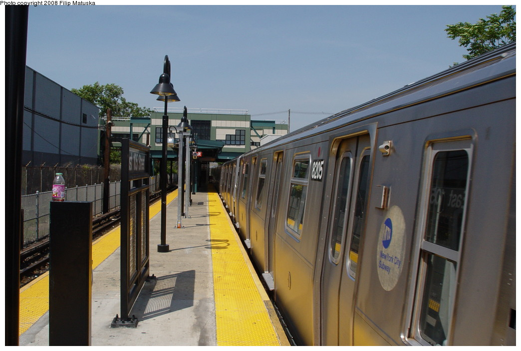 (178k, 1044x705)<br><b>Country:</b> United States<br><b>City:</b> New York<br><b>System:</b> New York City Transit<br><b>Line:</b> BMT Canarsie Line<br><b>Location:</b> East 105th Street <br><b>Route:</b> L<br><b>Car:</b> R-143 (Kawasaki, 2001-2002) 8205 <br><b>Photo by:</b> Filip Matuska<br><b>Date:</b> 6/7/2007<br><b>Viewed (this week/total):</b> 0 / 1401