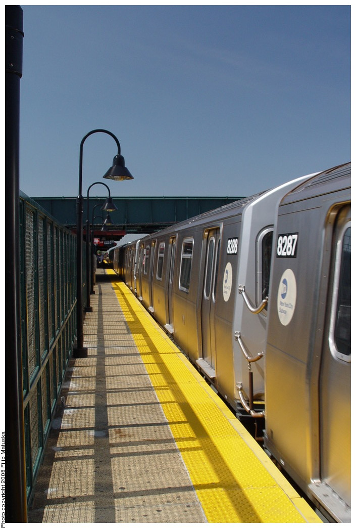 (180k, 705x1044)<br><b>Country:</b> United States<br><b>City:</b> New York<br><b>System:</b> New York City Transit<br><b>Line:</b> BMT Canarsie Line<br><b>Location:</b> Livonia Avenue <br><b>Route:</b> L<br><b>Car:</b> R-143 (Kawasaki, 2001-2002) 8288 <br><b>Photo by:</b> Filip Matuska<br><b>Date:</b> 6/7/2007<br><b>Viewed (this week/total):</b> 1 / 893