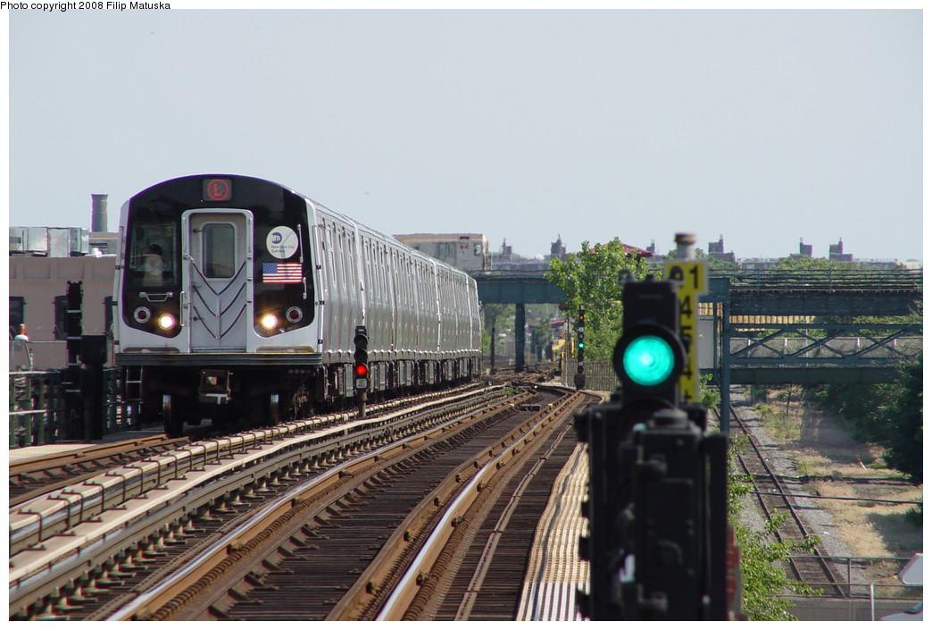(197k, 1044x705)<br><b>Country:</b> United States<br><b>City:</b> New York<br><b>System:</b> New York City Transit<br><b>Line:</b> BMT Canarsie Line<br><b>Location:</b> Sutter Avenue <br><b>Route:</b> L<br><b>Car:</b> R-143 (Kawasaki, 2001-2002)  <br><b>Photo by:</b> Filip Matuska<br><b>Date:</b> 6/7/2007<br><b>Viewed (this week/total):</b> 1 / 1930