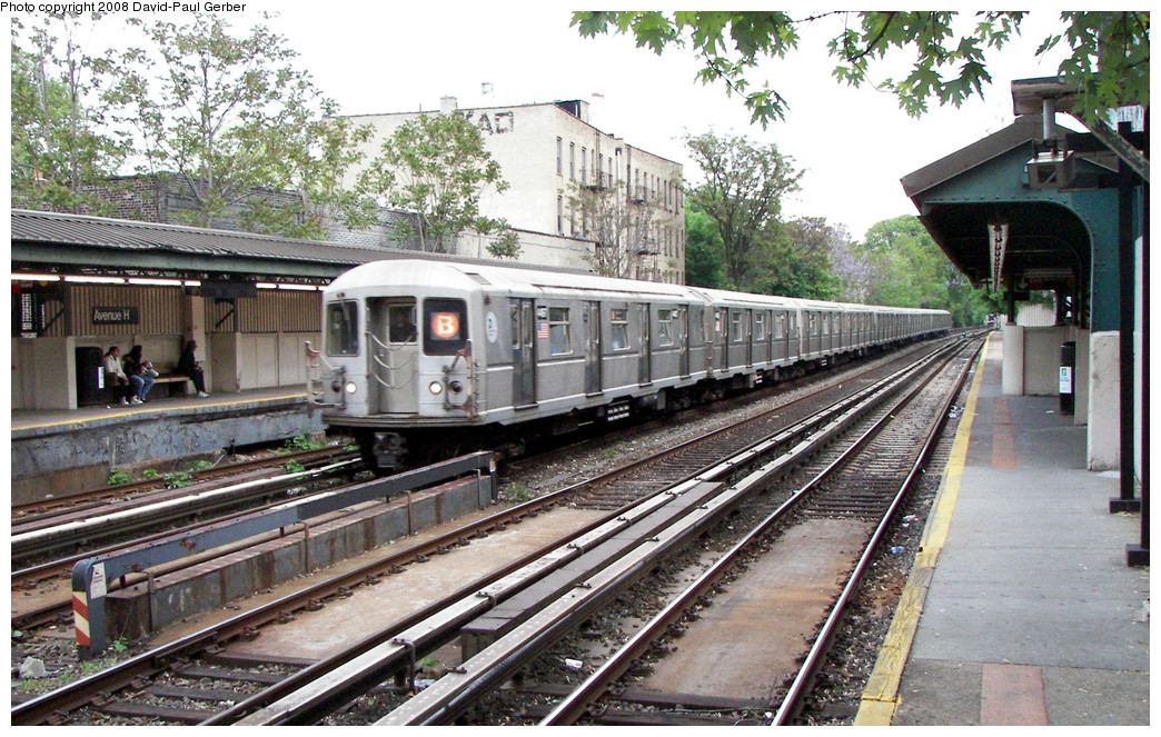 (336k, 1044x663)<br><b>Country:</b> United States<br><b>City:</b> New York<br><b>System:</b> New York City Transit<br><b>Line:</b> BMT Brighton Line<br><b>Location:</b> Avenue H <br><b>Route:</b> B<br><b>Car:</b> R-40M (St. Louis, 1969)  4467 <br><b>Photo by:</b> David-Paul Gerber<br><b>Date:</b> 5/15/2008<br><b>Viewed (this week/total):</b> 1 / 1086