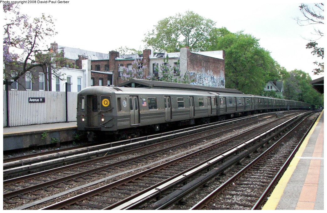 (322k, 1044x680)<br><b>Country:</b> United States<br><b>City:</b> New York<br><b>System:</b> New York City Transit<br><b>Line:</b> BMT Brighton Line<br><b>Location:</b> Avenue H <br><b>Route:</b> Q<br><b>Car:</b> R-68A (Kawasaki, 1988-1989)  5186 <br><b>Photo by:</b> David-Paul Gerber<br><b>Date:</b> 5/15/2008<br><b>Viewed (this week/total):</b> 0 / 1009