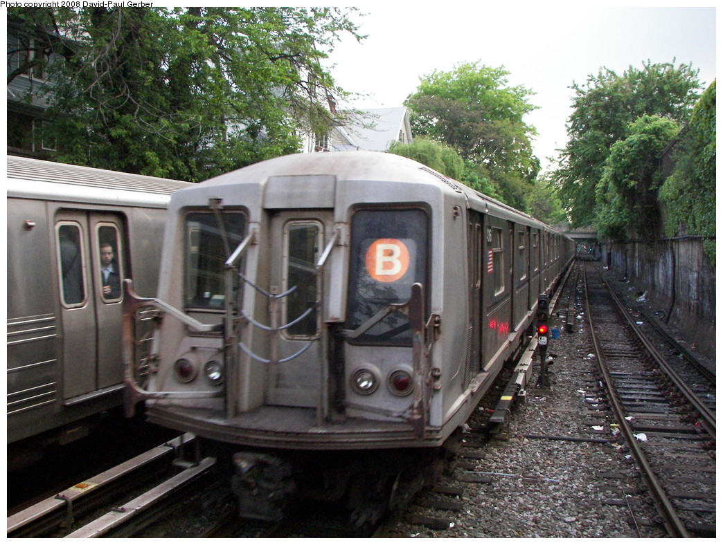 (334k, 1044x788)<br><b>Country:</b> United States<br><b>City:</b> New York<br><b>System:</b> New York City Transit<br><b>Line:</b> BMT Brighton Line<br><b>Location:</b> Newkirk Plaza (fmrly Newkirk Ave.) <br><b>Route:</b> B<br><b>Car:</b> R-40 (St. Louis, 1968)   <br><b>Photo by:</b> David-Paul Gerber<br><b>Date:</b> 5/15/2008<br><b>Viewed (this week/total):</b> 1 / 905