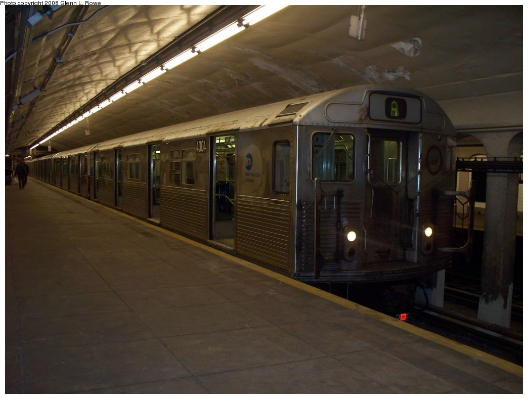 (170k, 1044x789)<br><b>Country:</b> United States<br><b>City:</b> New York<br><b>System:</b> New York City Transit<br><b>Line:</b> IND 8th Avenue Line<br><b>Location:</b> 190th Street/Overlook Terrace <br><b>Route:</b> A<br><b>Car:</b> R-38 (St. Louis, 1966-1967)  4004 <br><b>Photo by:</b> Glenn L. Rowe<br><b>Date:</b> 5/23/2008<br><b>Viewed (this week/total):</b> 0 / 1135