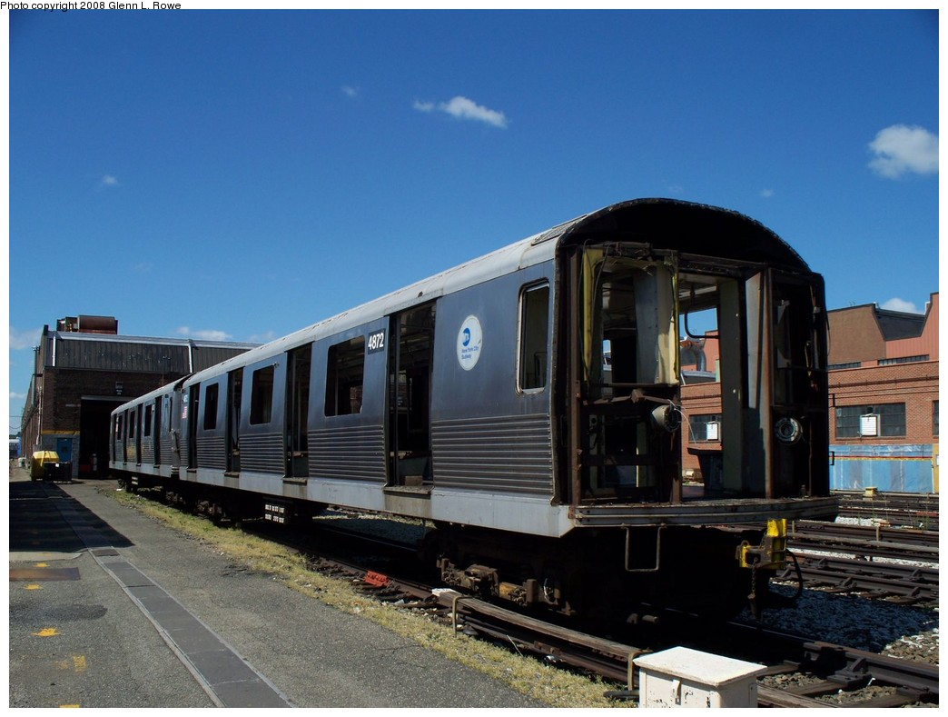 (199k, 1044x789)<br><b>Country:</b> United States<br><b>City:</b> New York<br><b>System:</b> New York City Transit<br><b>Location:</b> 207th Street Yard<br><b>Car:</b> R-42 (St. Louis, 1969-1970)  4872 <br><b>Photo by:</b> Glenn L. Rowe<br><b>Date:</b> 5/23/2008<br><b>Viewed (this week/total):</b> 1 / 780
