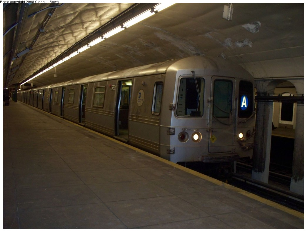 (164k, 1044x789)<br><b>Country:</b> United States<br><b>City:</b> New York<br><b>System:</b> New York City Transit<br><b>Line:</b> IND 8th Avenue Line<br><b>Location:</b> 190th Street/Overlook Terrace <br><b>Route:</b> A<br><b>Car:</b> R-44 (St. Louis, 1971-73) 5220 <br><b>Photo by:</b> Glenn L. Rowe<br><b>Date:</b> 5/22/2008<br><b>Viewed (this week/total):</b> 0 / 997