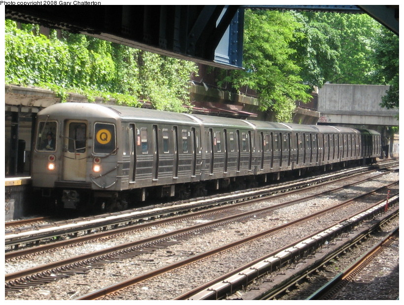 (213k, 820x620)<br><b>Country:</b> United States<br><b>City:</b> New York<br><b>System:</b> New York City Transit<br><b>Line:</b> BMT Brighton Line<br><b>Location:</b> Cortelyou Road <br><b>Route:</b> Q<br><b>Car:</b> R-68 (Westinghouse-Amrail, 1986-1988)  2908 <br><b>Photo by:</b> Gary Chatterton<br><b>Date:</b> 5/21/2008<br><b>Viewed (this week/total):</b> 3 / 1482