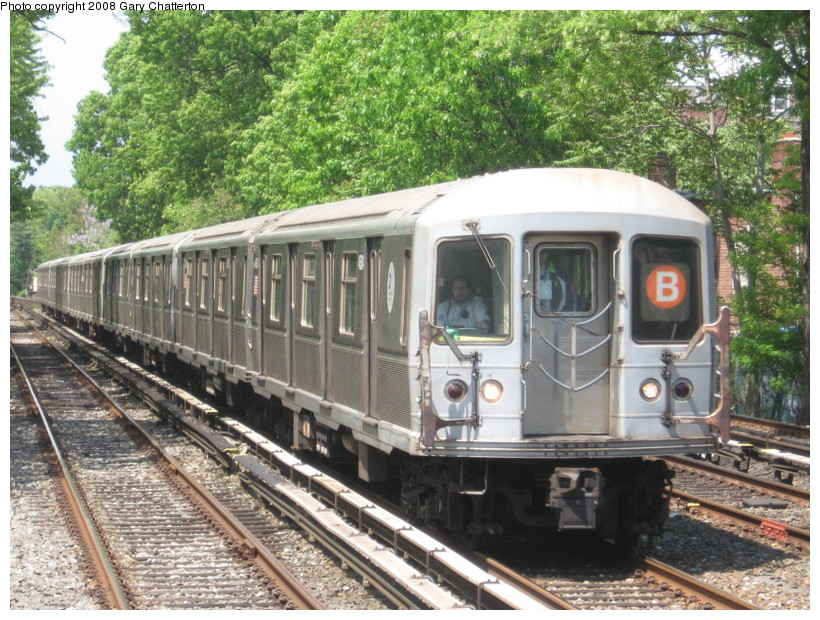 (203k, 820x620)<br><b>Country:</b> United States<br><b>City:</b> New York<br><b>System:</b> New York City Transit<br><b>Line:</b> BMT Brighton Line<br><b>Location:</b> Avenue J <br><b>Route:</b> B<br><b>Car:</b> R-40M (St. Louis, 1969)  4534 <br><b>Photo by:</b> Gary Chatterton<br><b>Date:</b> 5/21/2008<br><b>Viewed (this week/total):</b> 37 / 1187