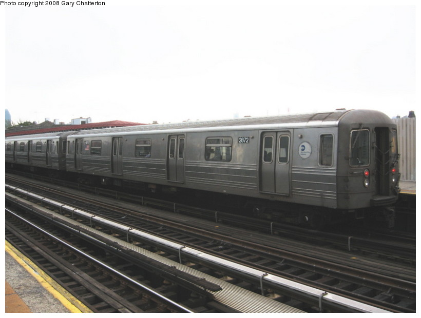 (93k, 820x620)<br><b>Country:</b> United States<br><b>City:</b> New York<br><b>System:</b> New York City Transit<br><b>Line:</b> BMT Astoria Line<br><b>Location:</b> Broadway <br><b>Route:</b> N<br><b>Car:</b> R-68 (Westinghouse-Amrail, 1986-1988)  2872 <br><b>Photo by:</b> Gary Chatterton<br><b>Date:</b> 5/21/2008<br><b>Viewed (this week/total):</b> 1 / 835