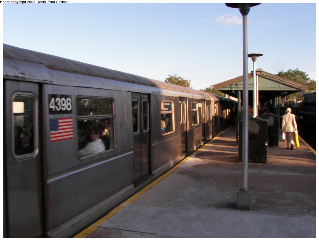 (208k, 1044x788)<br><b>Country:</b> United States<br><b>City:</b> New York<br><b>System:</b> New York City Transit<br><b>Line:</b> BMT Brighton Line<br><b>Location:</b> Kings Highway <br><b>Route:</b> B<br><b>Car:</b> R-40 (St. Louis, 1968)  4398 <br><b>Photo by:</b> David-Paul Gerber<br><b>Date:</b> 5/23/2008<br><b>Viewed (this week/total):</b> 1 / 811