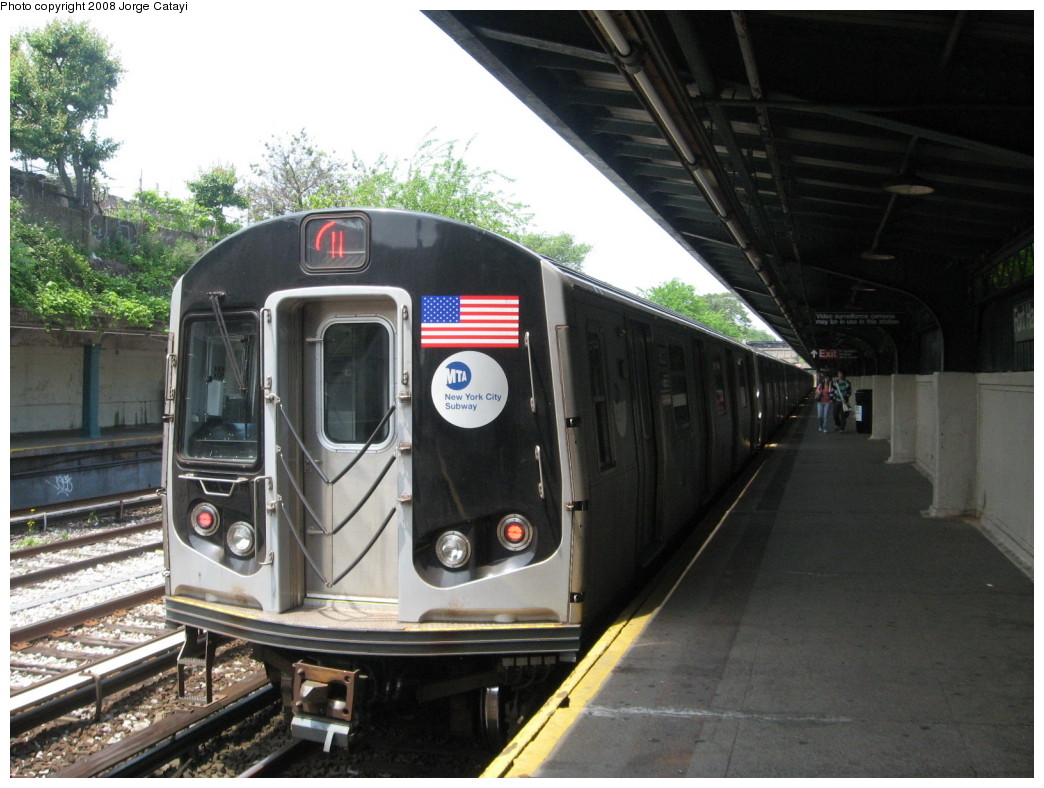 (212k, 1044x788)<br><b>Country:</b> United States<br><b>City:</b> New York<br><b>System:</b> New York City Transit<br><b>Line:</b> BMT Sea Beach Line<br><b>Location:</b> Fort Hamilton Parkway <br><b>Route:</b> N<br><b>Car:</b> R-160B (Kawasaki, 2005-2008)  8823 <br><b>Photo by:</b> Jorge Catayi<br><b>Date:</b> 5/27/2008<br><b>Viewed (this week/total):</b> 0 / 1115